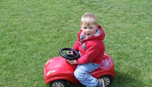 2歳の子供がチャイルドシート嫌がる問題。対策まとめと絶対に抜け出せないおススメのチャイルドシート!